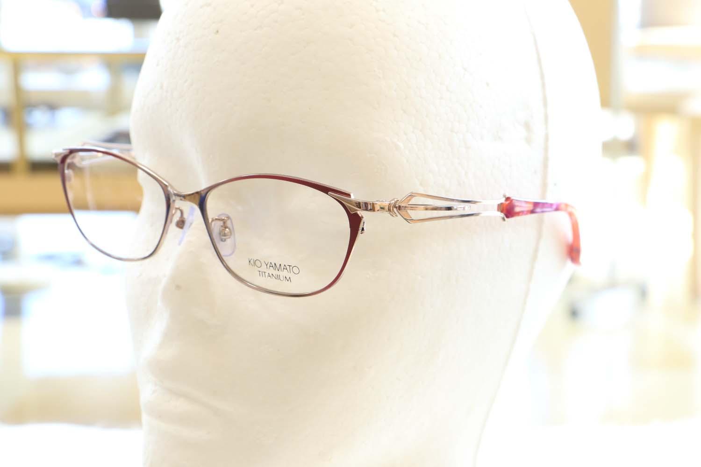 「特別な一日に掛けたい」そんなメガネいかがですか。page-visual 「特別な一日に掛けたい」そんなメガネいかがですか。ビジュアル