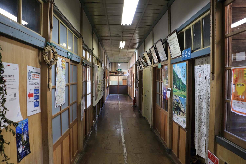 旧上岡小学校page-visual 旧上岡小学校ビジュアル